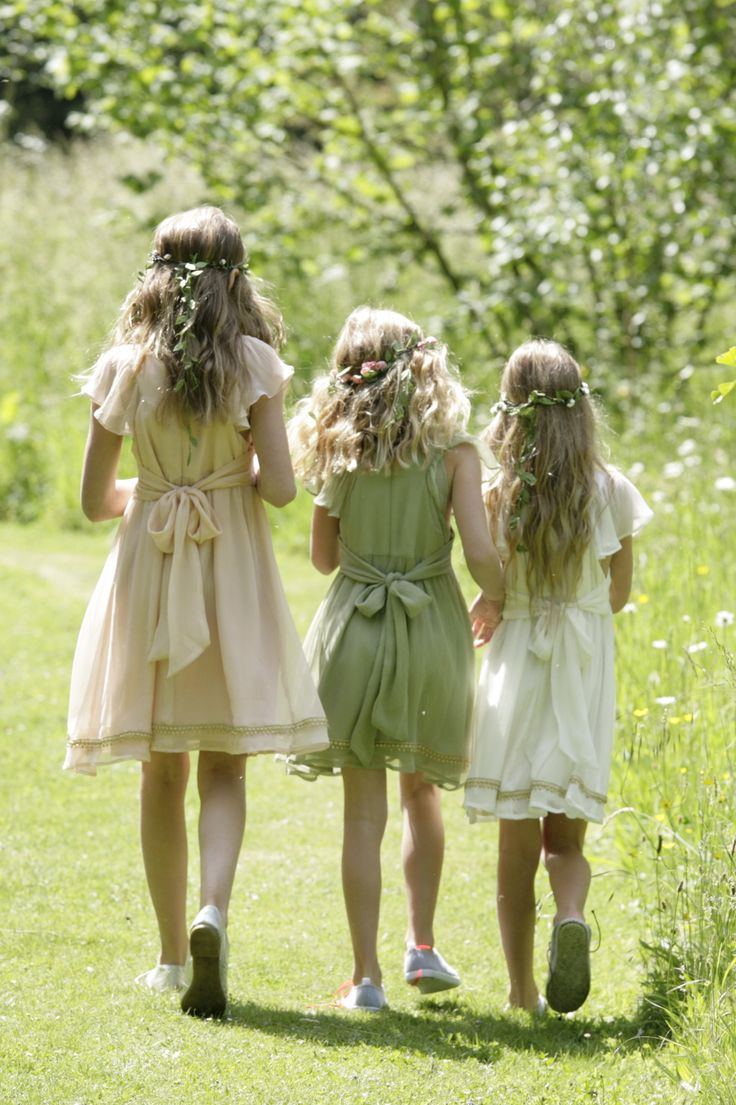 http://www.ilovegorgeous.co.uk/index.php/flower-girls-1/flower-girl-dresses.html