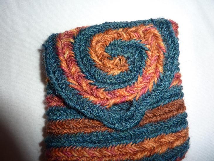 Naalbinding bag with spiral-decorated flap. By Katraka