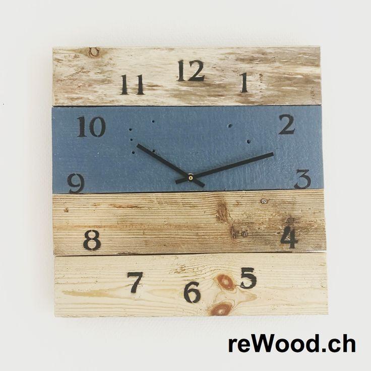 Wanduhr in den Farben Blau, Türkis und Weiss // Palettenmöbel aus der Schweiz, Bern, Biel // marcorothphotography.ch