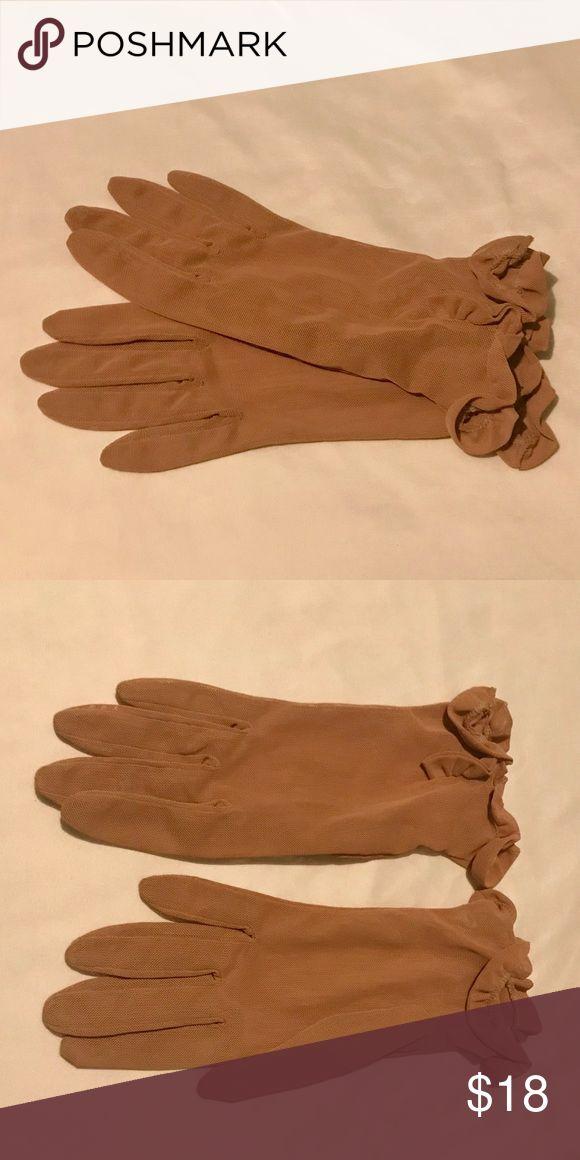 Vintage Sheer Nude Gloves Vintage Sheer Nude Gloves. Size Medium. Vintage Accessories Gloves & Mittens