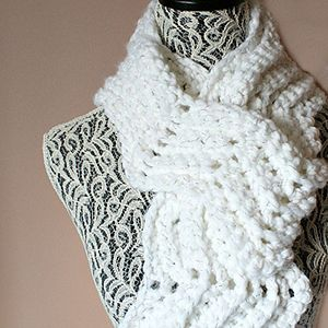 Spotlight Crochet Patterns : Snowy Hills Scarfie - Crochet Pattern by @OombawkaDesign Featured at ...