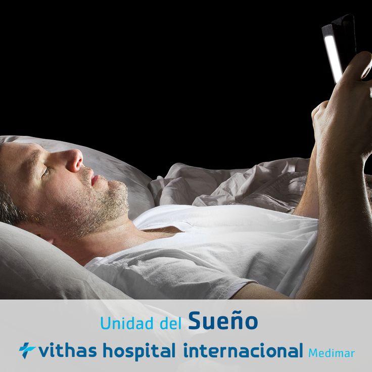Evita los aparatos tecnológicos antes de dormir, pues la exposición a la luz artificial de estos aparatos aumenta nuestro estado de alerta y retrasa nuestra hora natural de #sueño.