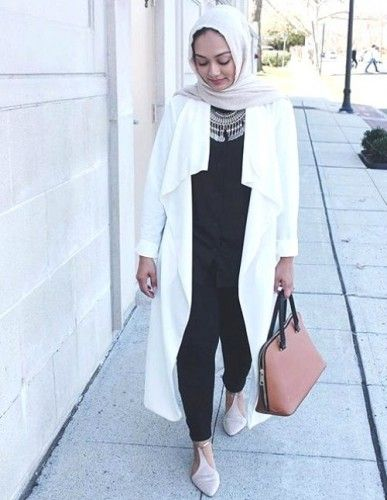 white jacket hijab- Long and modest hijab outfits http://www.justtrendygirls.com/long-and-modest-hijab-outfits/