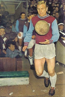 Football Photo>BOBBY MOORE West Ham United 1960s