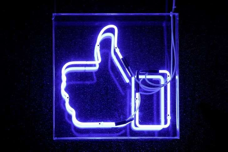 Facebook opens new London HQ, to create 800 UK jobs    https://www.msn.com/en-gb/money/companies/facebook-opens-new-london-hq-to-create-800-uk-jobs/ar-BBGaksq