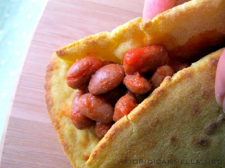 Tortillas di mais con salsa piccante