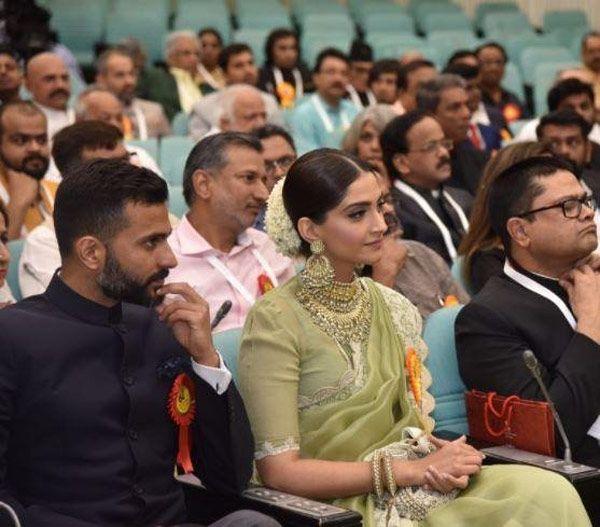 National Film Awards: Sonam Kapoor receives award for Neerja; boyfriend Anand Ahuja cheers her on – watch video #FansnStars