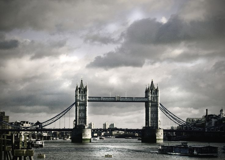 https://flic.kr/p/bkSy48 | London, December 2011. | Tower Bridge London.