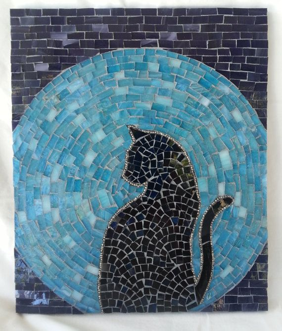 Items similar to Gato Moon Rising manchadas de mosaico de vidrio on Etsy