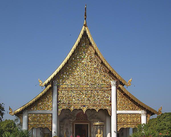 2013 Photograph, Wat Chedi Luang Phra Wiharn Gable, Tambon Phra Sing, Mueang Chiang Mai District, Chiang Mai Province, Thailand. © 2013.  ภาพถ่าย ๒๕๕๖ วัดเจดีย์หลวง หน้าจั่วพระวิหาร ตำบลพระสิงห์ เมืองเชียงใหม่ จังหวัดเชียงใหม่ ประเทศไทย
