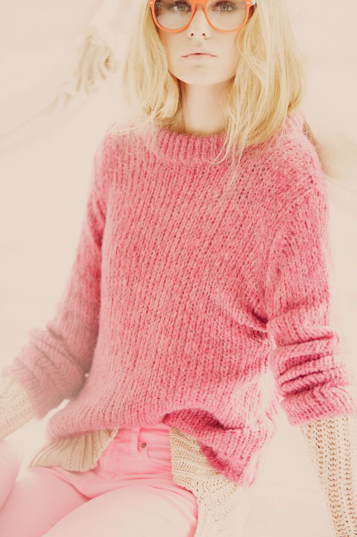 Beige, pink, orange.Pink Pink Pink, Glasses, Style, Soft Pink, Colors, Pinkpinkpink, Pink Fashion, Pink Sweaters, Knits
