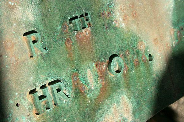 Bronze plaque, Waverley Cemetery, August 18, 2013