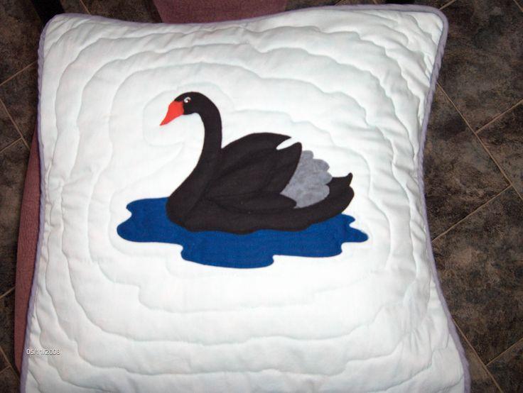 Swan applique cushion - BaRb