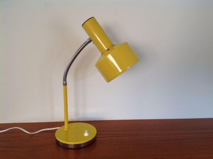 Bureau-tafellamp. Geel. Merk: Massive.