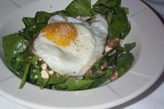 Grzanki ze szpinakiem - kolacja ciepła i zdrowa