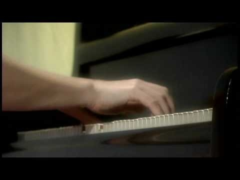 Rachmaninoff Prelude in G major, Opus 32. No. 5 played by Valentina Lisitsa