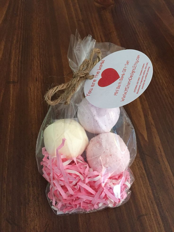 Mother's Day Gift Set, Bath bomb gift set, mini bath bombs, bath fizzies, teacher gift, Easter basket gift, birthday party favor by MStormDesigns on Etsy