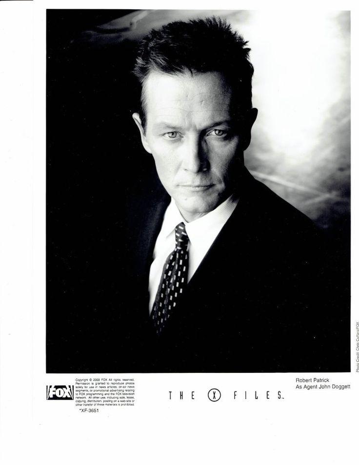 X-FILES OFFICIAL FOX PROMO 8x10 B&W PHOTO ROBERT PATRICK AS JOHN DOGGETT 2000 in Entertainment Memorabilia, Television Memorabilia, Photographs | eBay