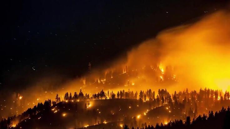 Time-lapsed video shows the Suncrest fire in Washington state that has grown to nearly 500 acres. Firefighters say they are making progress. (Video produced by Alejandra Santorum)