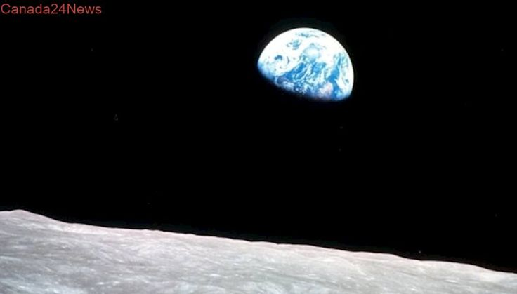 Trump announces focus on returning Americans to the moon