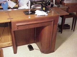193 best Vintage Singer Sewing Machines images on Pinterest ...