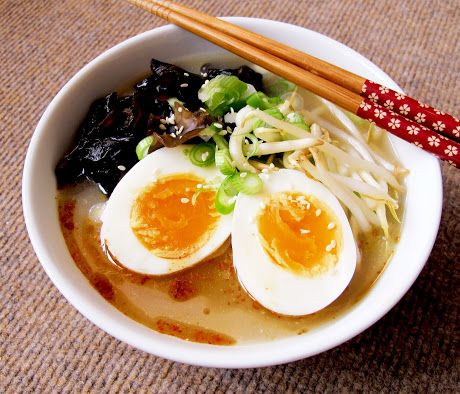 Slow Cooker Tonkotsu Ramen Broth
