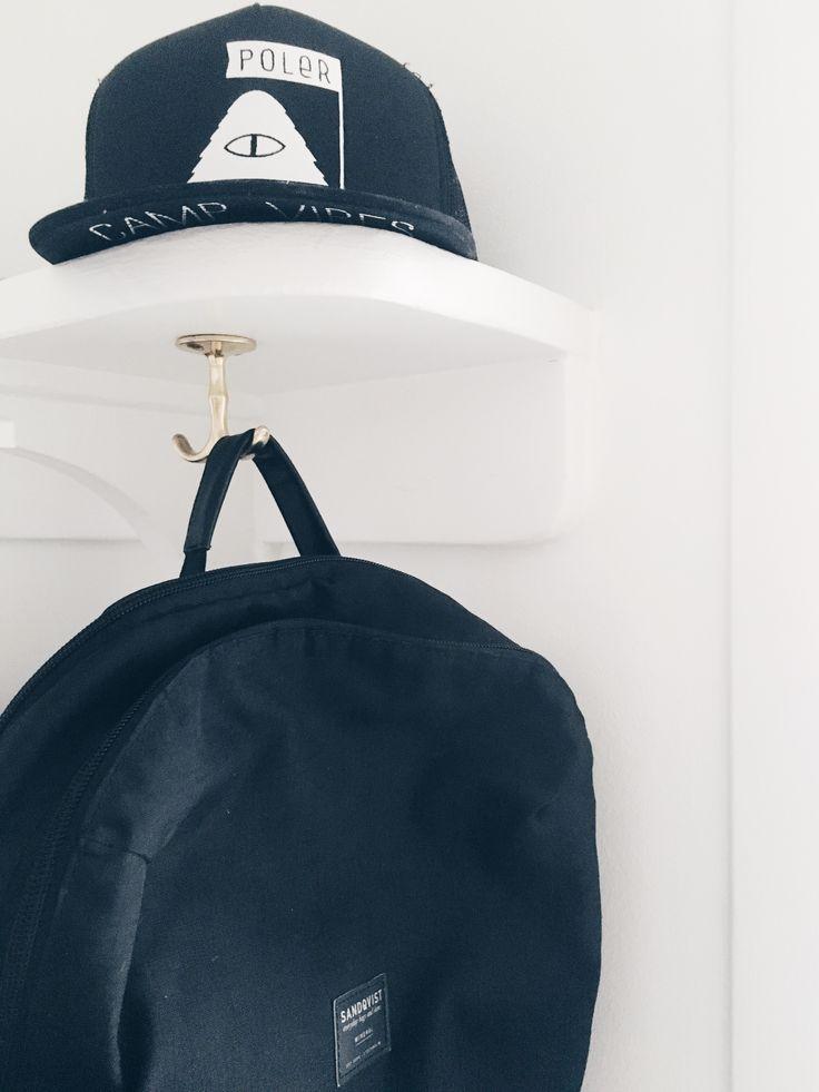 Sandqvist bag. Poler stuff trucker cap.