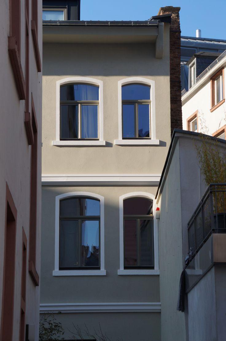 """Unser neues Design Holzfenster """"Ventura""""! Es ist innen wie außen flächenbündig. Mehr Infos unter http://www.schreinerei-lauer.de/pages/fenster/ventura-linie.php  Lauer -  Die Schreinerei"""