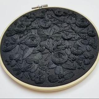 Black floss on black material giving us all the feel 🖤 @calicoranger #dmcthr…
