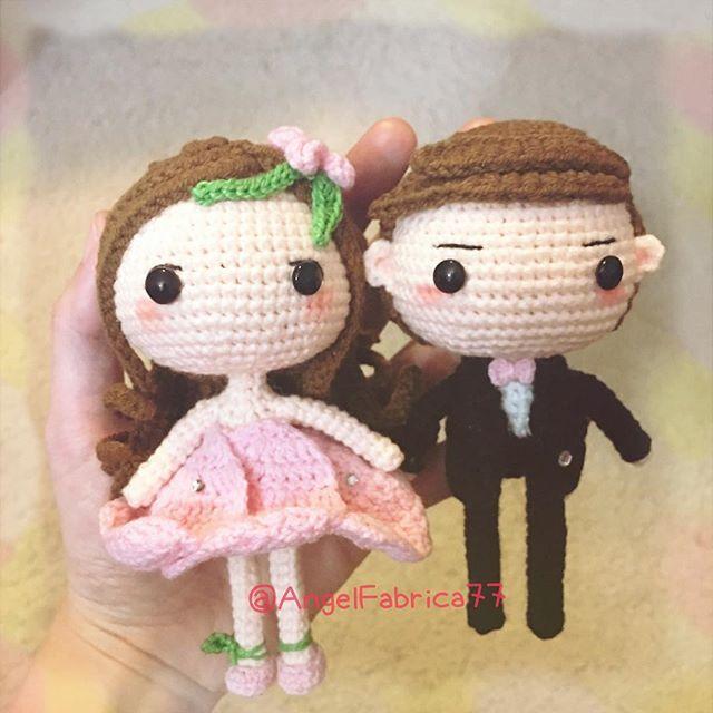 Cute couplePerfect size to be wedding cake topper #crochet #crochetwedding #wedding #weddingcake #etsy #handmade #brideandgroom #customorder #amigurumi #crochetlove