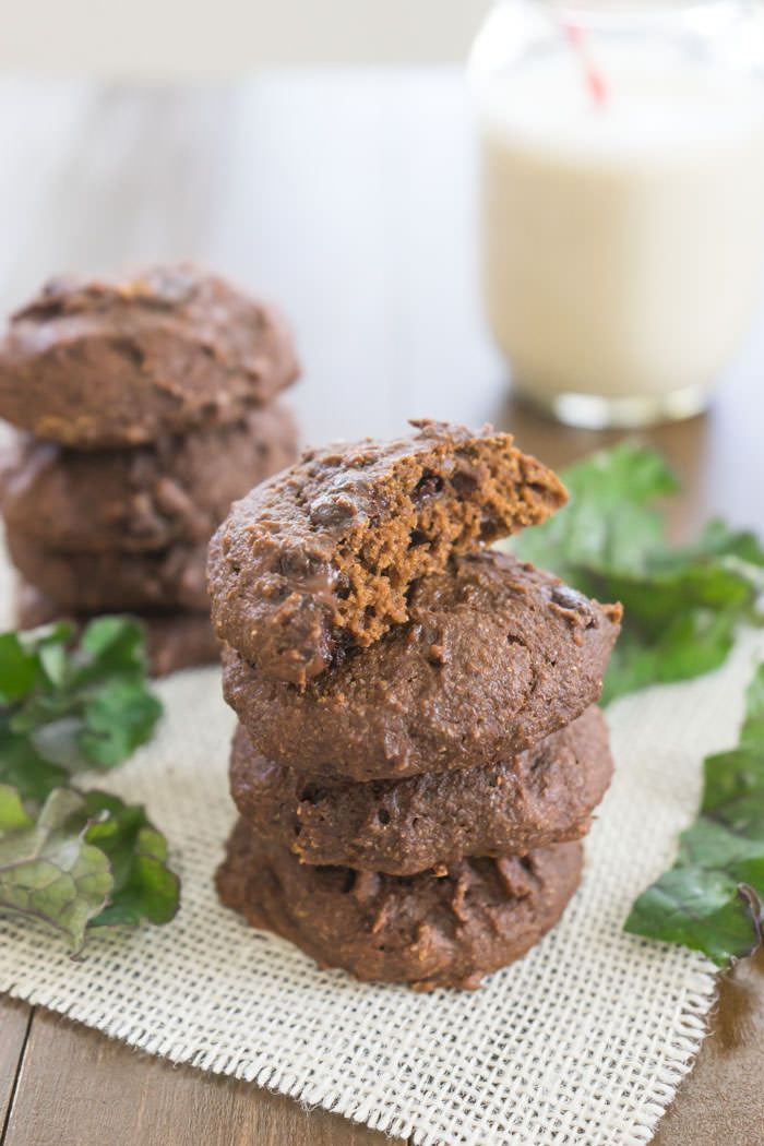 Chocolate cookies made with... KALE?! Eating your veggies never sounded so good. :)