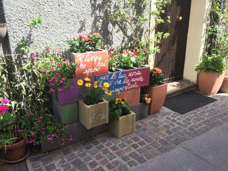 Oltre 25 fantastiche idee su fioriere in cemento su for Idee fioriere giardino
