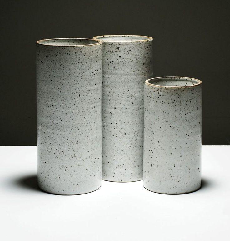 bob-dinetz-hand-thrown-cylindrical-vase-trnk-1200x1260