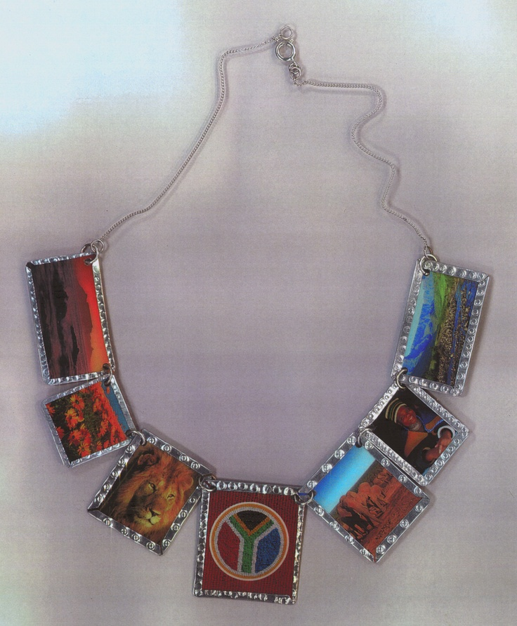 BeverleyPrice©  In 2003 we made 2500 necklaces for South African Tourism's Indaba Fundi kits.