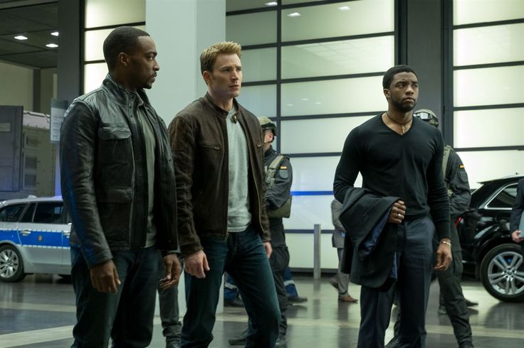 Captain America: Civil War : Photo Anthony Mackie, Chadwick Boseman, Chris Evans