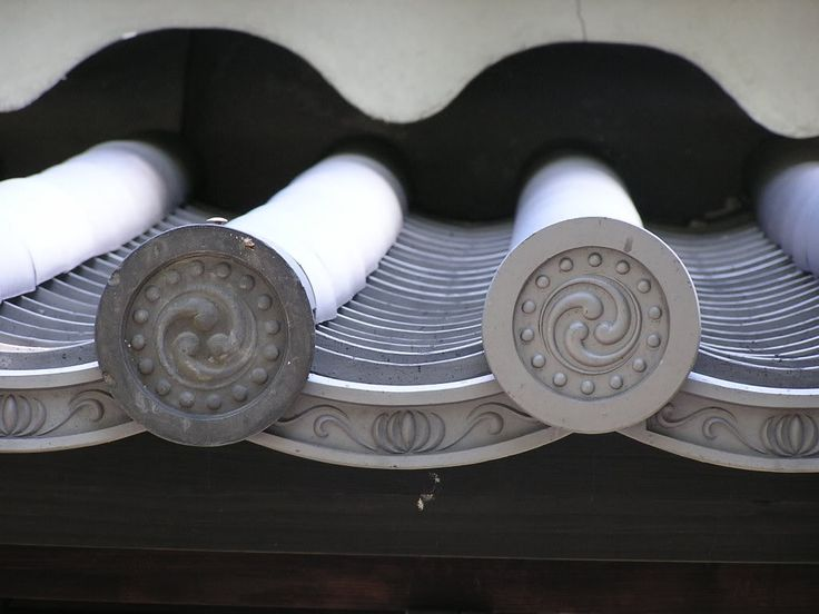 Funky japanese roof tiles photo f66f2223.jpg