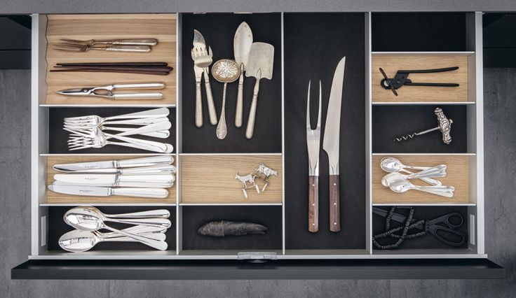 SieMatic drawers and pullouts are extremely sturdy and with a flexible system of dividers. With the double drawer system, the things you use everyday are always ready...