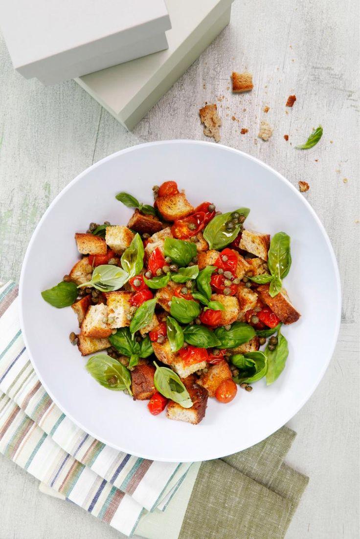 Panzanella-salaatti uunissa