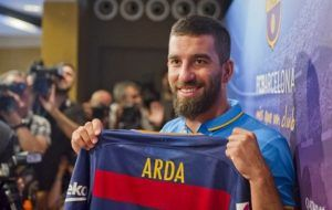 Arda Turan Tegaskan Komitmen di Barcelona