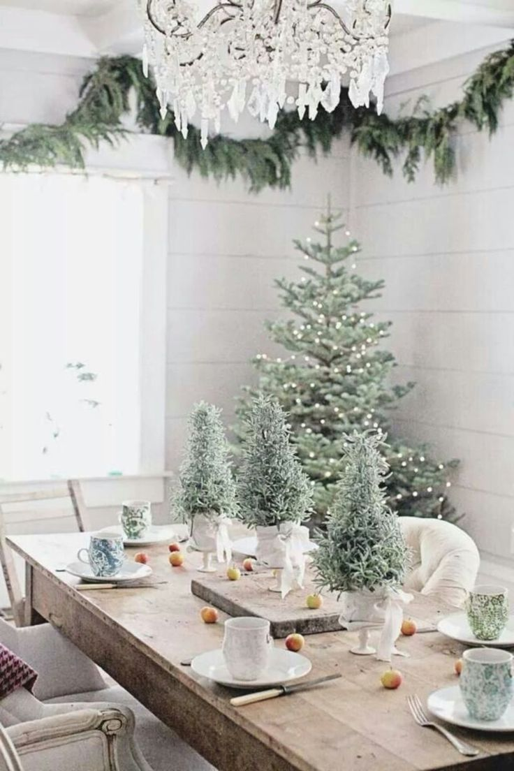 christmas dining room table centerpieces. 50 Elegant Rustic Christmas Table Centerpieces Ideas Best 25  table centerpieces ideas on Pinterest Diy