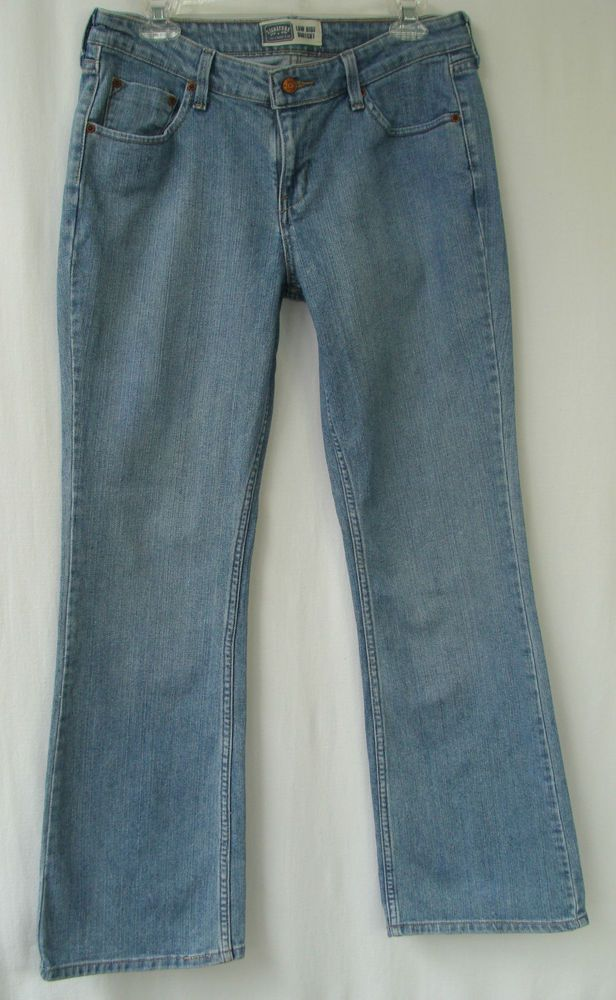 SIGNATURE LEVIS Light Blue Low Rise Boot Cut Stitching Pockets Size 10 Medium #SIGNATURELEVISLightBlueLowRiseBootCut #LowRiseBootCutStitchingPockets