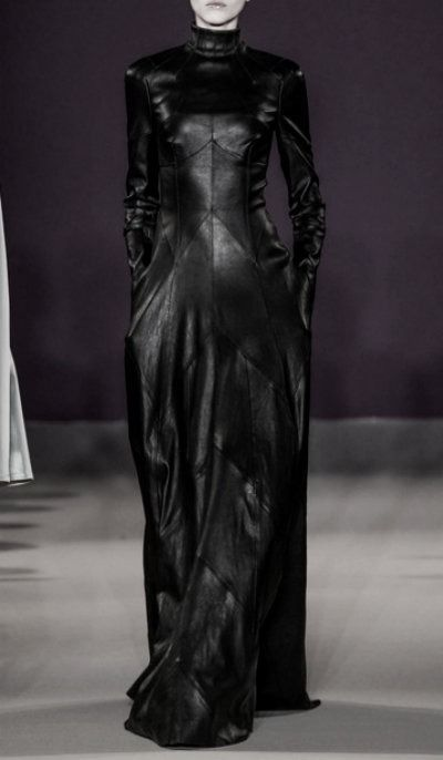 Talbot Runhof (Spring 2014) #raven queen