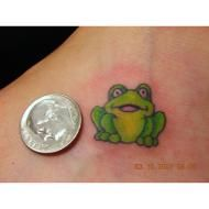 Google Image Result for http://www.worldwide-tattoo-studios.com/tattoos/TOADFROGcloseupgeneraldetailedANIMAL-tattoo-bits-Sflashdesigns-tattoo-bits-picturesgalleryT52.gif