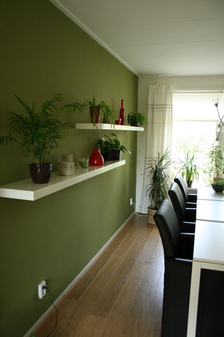 25 beste idee n over olijfgroene kamers op pinterest olijfgroene verfsoorten olijfkleurige - Deco woonkamer aan de muur wit ...