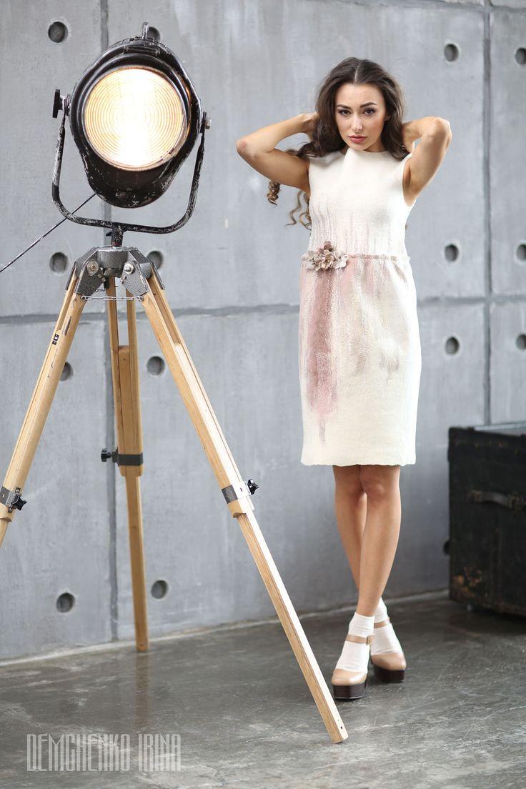 Купить Валяное платье «Сбежавшая невеста» - белый, street style, валяное платье