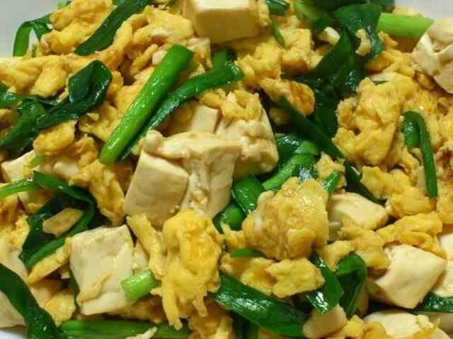 簡単5分で☆ニラ玉豆腐のオイスターソースの画像