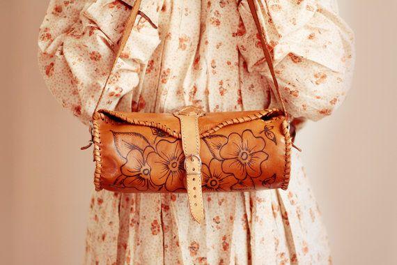 Tooled Floral Boho Leather Hippie Shoulder bag by UndiciVintage
