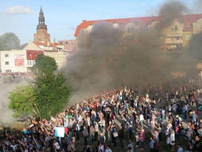 Wybuchy i strzały w Gryfinie - Orły nad Nijmegen
