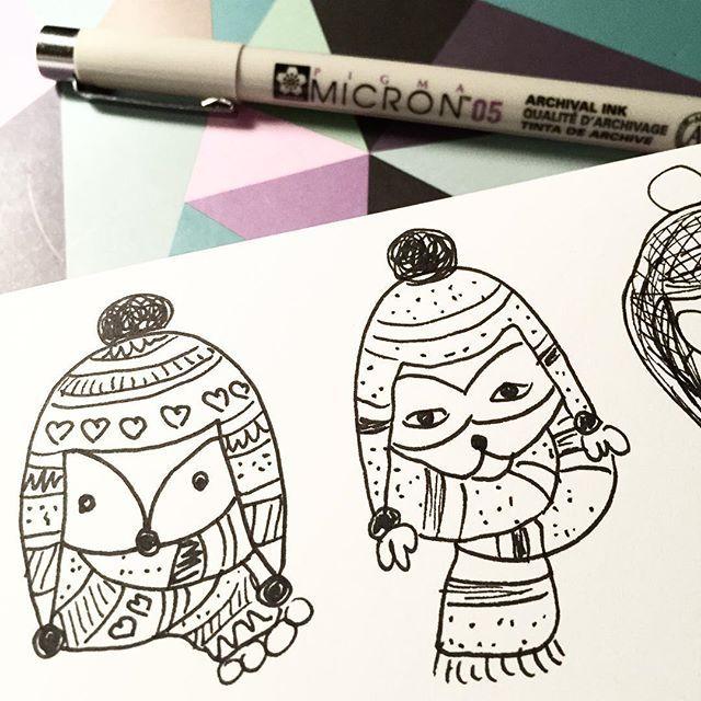 Cranky looking creatures #sunday #doodles #illustratie #illustration #ink #sketch #print #winter #littlesmilemakers #fox #raccoon