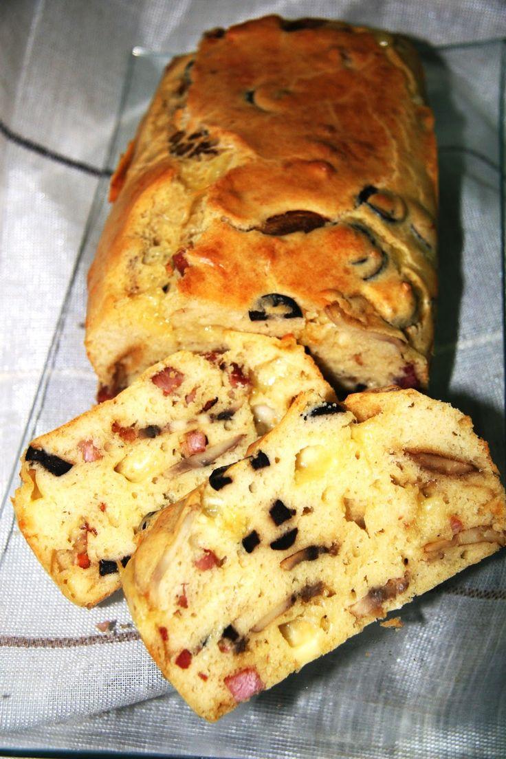 Hierbabuena y Pimienta: Plum Cake de champiñones, taquitos de jamón serrano y queso emmental